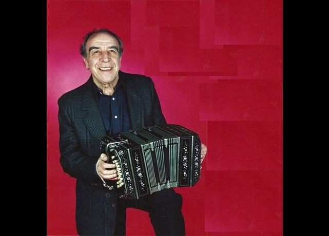 Alberto Garralda fue un destacado bandoneonista, nacido en nuestra ciudad en 1925, donde transcurrió su infancia y su juventud.