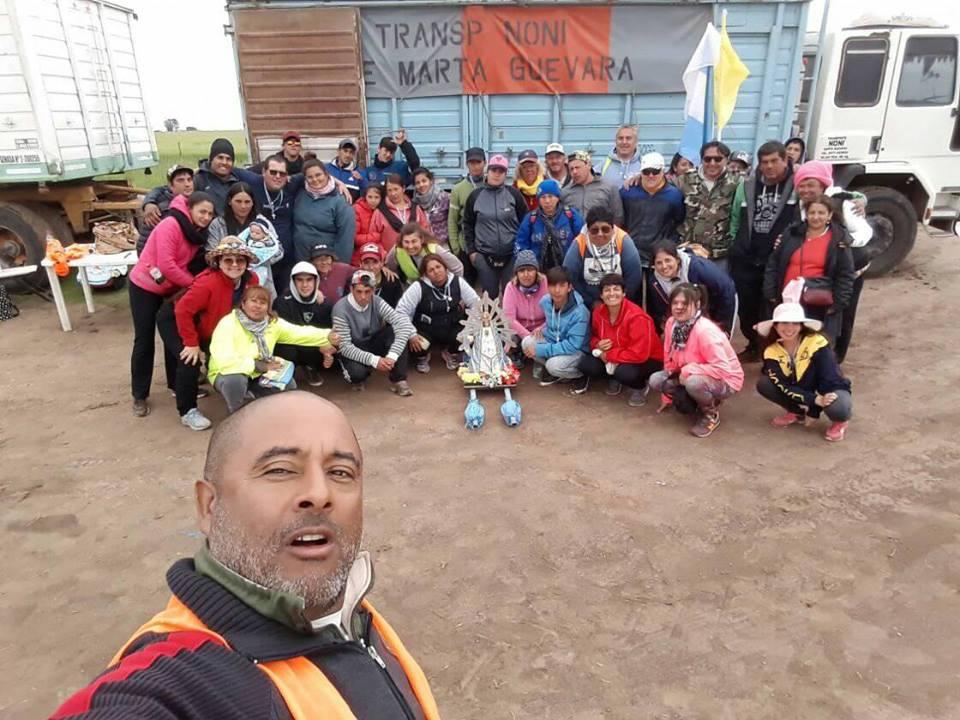 Partieron el lunes pasado, poco después de las 8.30 horas desde la Capilla Nuestra Señora de Lujan de Barrio Progreso, y este sábado 13 ya están llegando a la localidad de Carlos Keen, a 14 kilómetros de Luján.