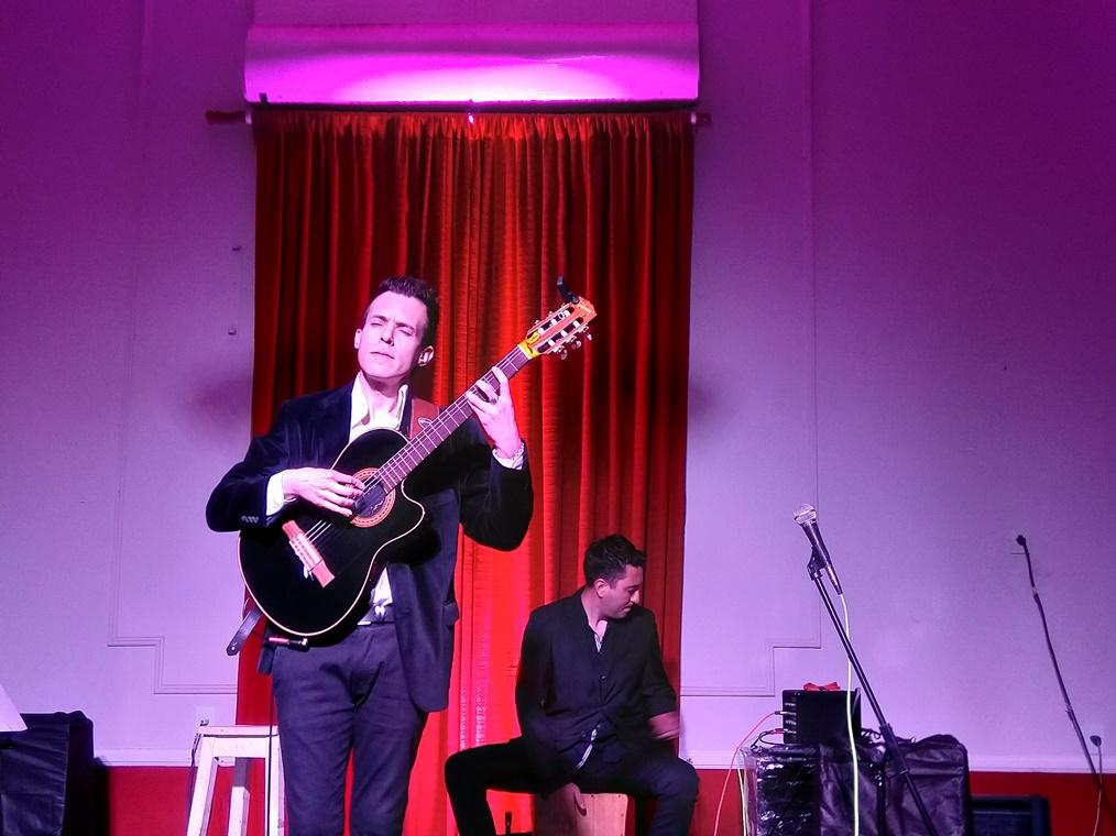 Imágenes del recital del virtuoso guitarrista Joaquín Medrán