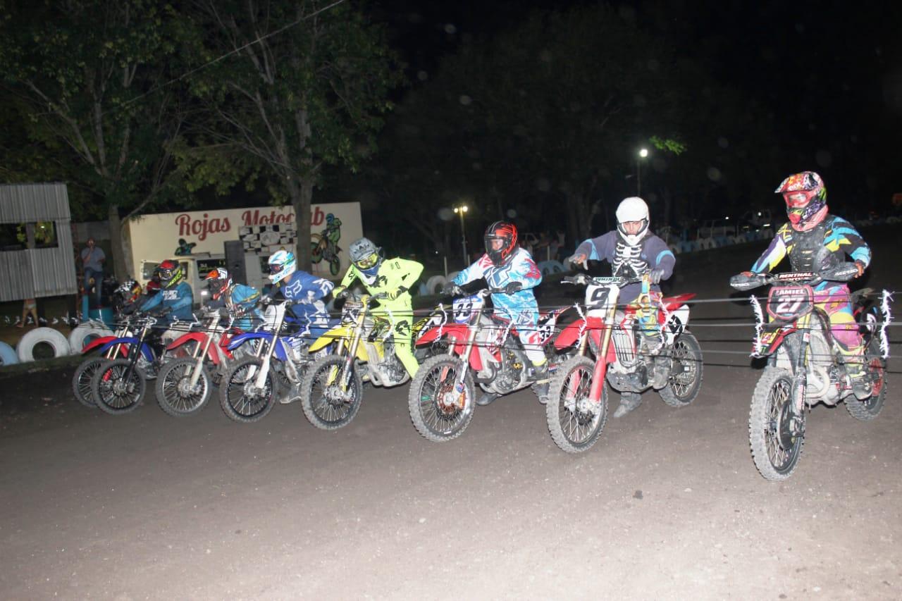 Este sábado 5 de enero se llevó a cabo en las instalaciones del Rojas Motoclub la primera fecha de la gran competencia Enduro que se desarrollará a lo largo de este año y la cual nuclea a un gran número de competidores de la ciudad y sus alrededores.