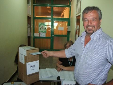 Sus números lo colocan al actual mandatario municipal, Claudio Rossi al tope de las preferencias con una amplio margen.