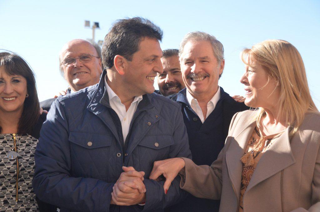 Felipe Solá, primer candidato a diputado nacional por la provincia de Buenos Aires del Frente 1País, visita este jueves 21 de septiembre la ciudad de Rojas, en el marco de esta campaña electoral que ha vuelto a tomar temperatura de cara a octubre.