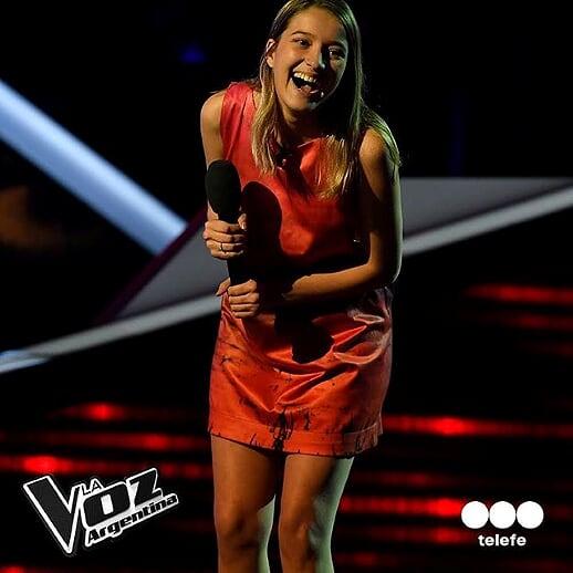 En la noche del lunes 1 de octubre se realizó la primera edición de este programa de talentos donde Isabel Aladro se destacó logrando una gran calificación, deslumbrando muy particularmente con su performance a la estrella de la canción, Tini Stoessel.