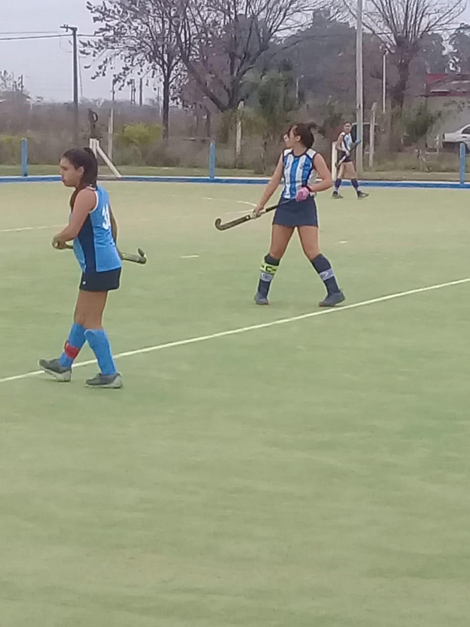 En la tarde del sábado 18 de mayo, los equipos de hockey del Club Argentino de Rojas jugaron una nueva fecha de la Asociación de Hockey del Oeste.