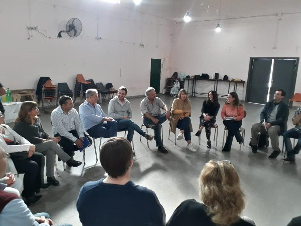 El viernes 17 de mayo, la localidad de Rafael Obligado no sólo recibió la visita del director general de escuelas, Gabriel Sánchez Zinny, sino que se hizo presente Martina Pikielny, subsecretaria de Turismo de la Provincia.