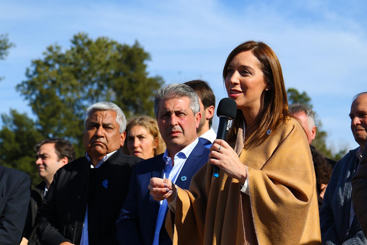 Este martes la gobernadora estuvo en Pergamino para anunciar obras hidráulicas que de acuerdo a sus palabras terminaran con el problema de las inundaciones, recién dentro de unas cuantas gestiones de gobierno, pero acabaran.