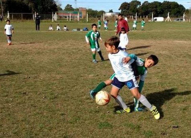 El próximo sábado 23 de marzo se juega la segunda fecha de juveniles e infantiles de la Liga de Rojas, y desde la secretaría de la misma hicieron llegar la programación de los mismos con horarios para los infantiles y también para los juveniles.