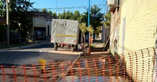 Reconstruyen la vereda del Jardín de Infantes N° 904