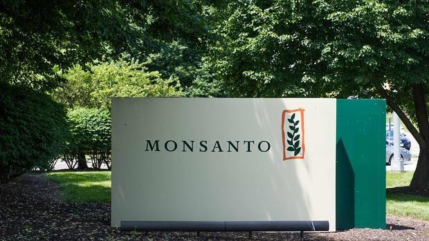 La multinacional Monsanto, filial del grupo químico alemán Bayer, que se encuentra altamente cuestionada por el uso de químicos que son perjudiciales para la salud, investigó ilegalmente a 600 personas en Francia y Alemania sumando una nueva mancha a su imagen.