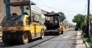 Arrancó el reasfaltado de calles céntricas