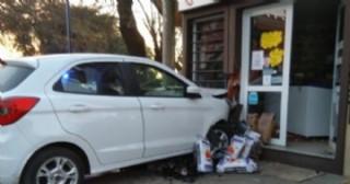 Serio accidente en Larrea y Alvear: Tres heridas leves