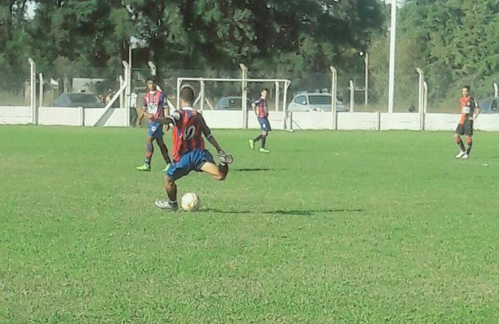 Al igual que sucede en las divisiones mayores del fútbol de nuestra ciudad, los más chicos también disputarán sus correspondientes encuentros de la jornada de sábado pertenecientes a la tercera fecha de este Torneo Interligas.