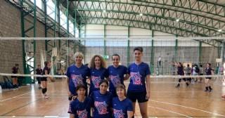El equipo femenino del voley de Rojas en Mar del Plata