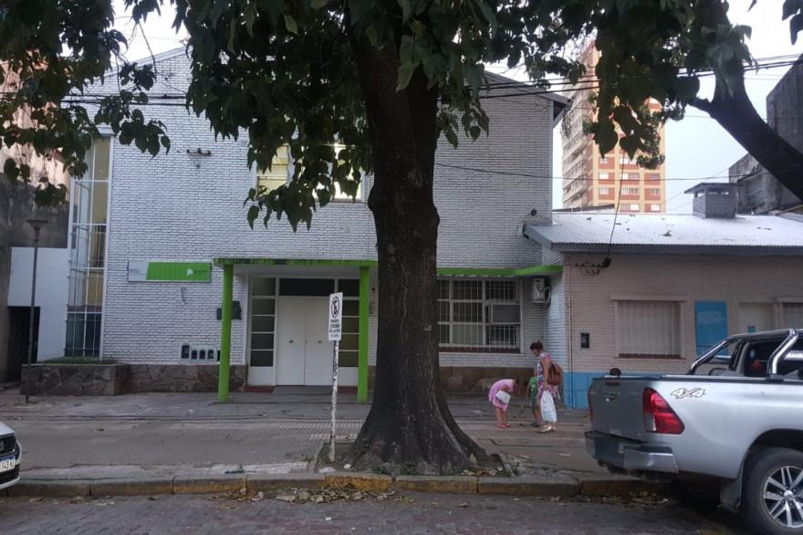 Según un informe del Semanario de Junín, las sedes del Registro Civil tienen historias horrorosas y un presente muy difícil, para los empleados y sobre todo para los vecinos que necesitan el servicio.