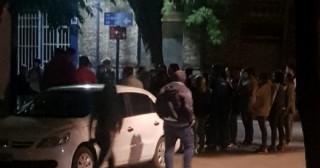Movilización frente a la Comisaría de la Mujer por un supuesto intento de abuso de una menor