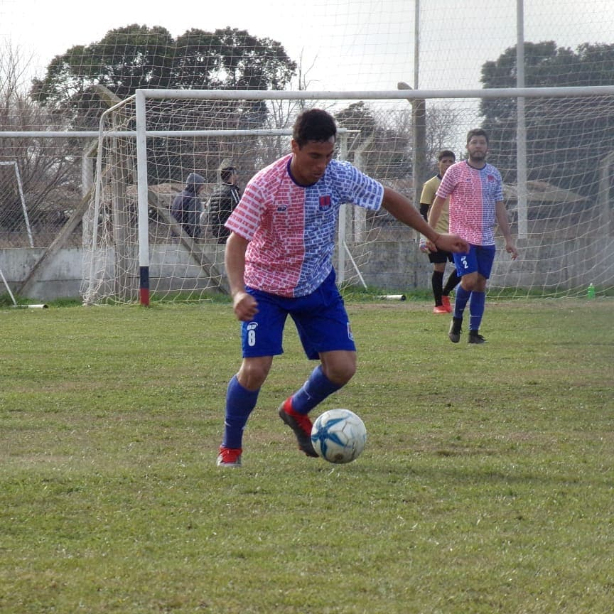A pesar del día no laborable de este lunes 8 de julio se realizó la habitual reunión en la Liga Deportiva de Fútbol de Rojas.