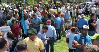 Marcha de protesta y asamblea de productores rurales en Pergamino