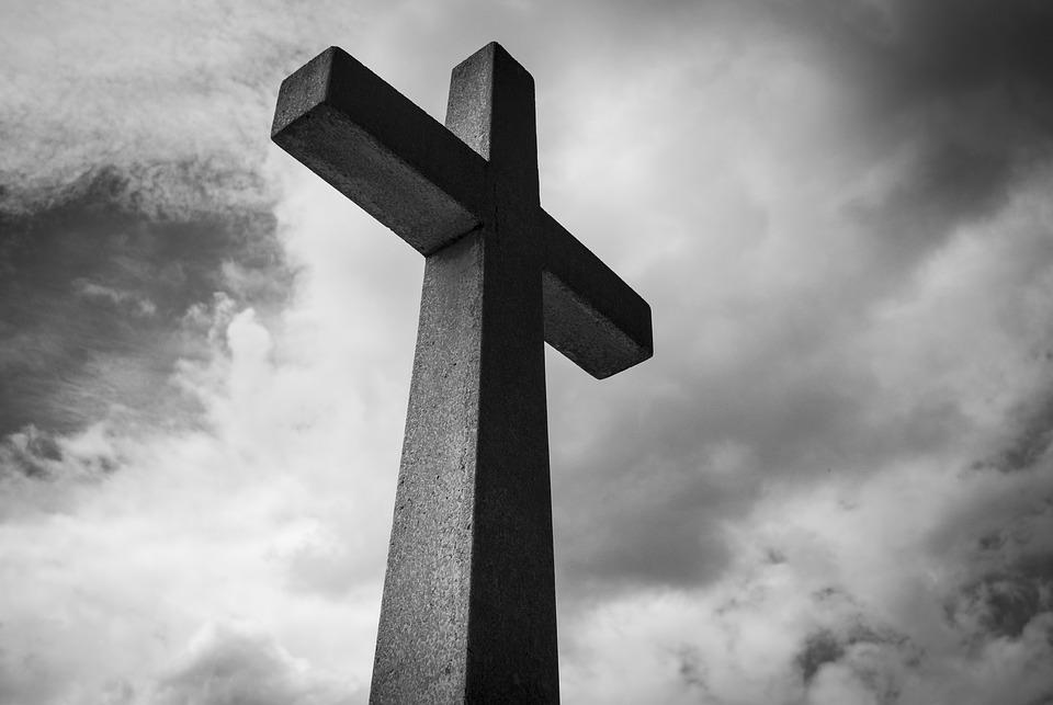 Falleció el lunes 22; sepelio el martes 23. Cementerio Municipal. Sala Velatoria Avellaneda 517.-
