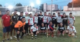 Bini colaboró en el torneo de fútbol femenino de El Huracán
