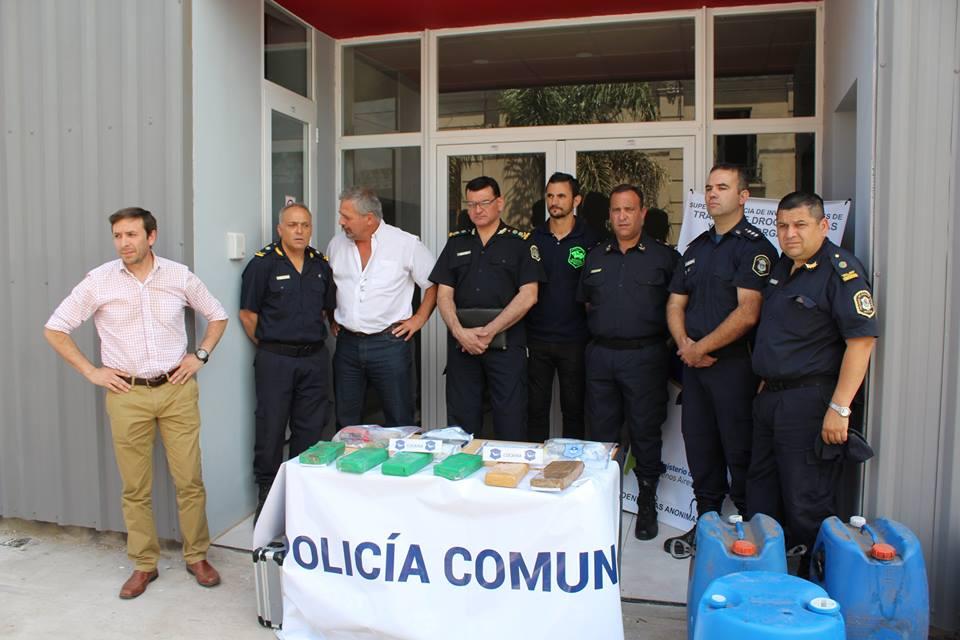 Hubo allanamientos en La Matanza con el secuestro de mayor cantidad de drogas y otro detenido. Además de un camión y cientos de litros de combustible de avión.