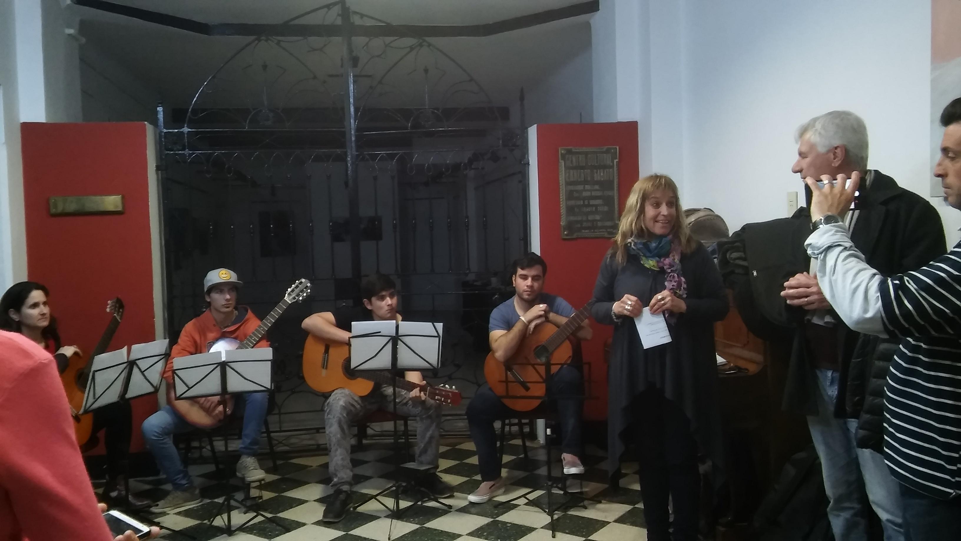 El Conservatorio Municipal de Música tendrá este miércoles 5 de diciembre su muestra de fin de año. La cita es desde las 20.30 horas en el Centro Cultural Ernesto Sábato, con entrada libre y gratuita.