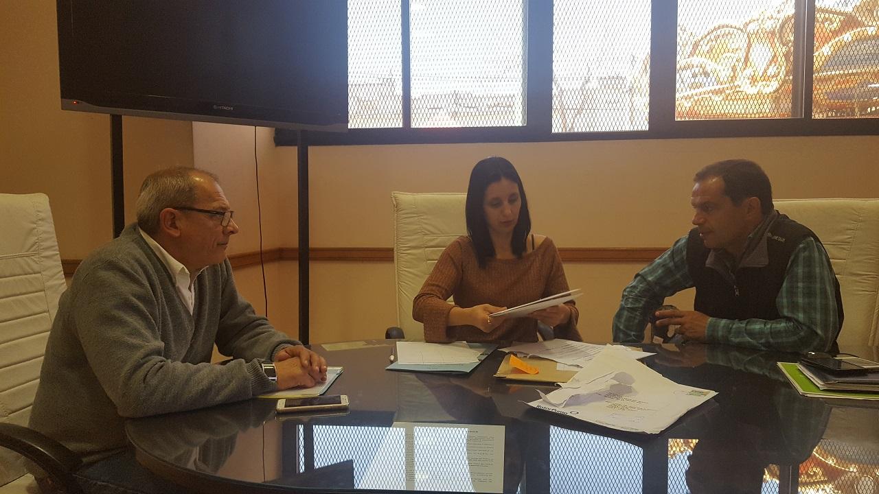 """Este lunes 18 de septiembre tuvo lugar en el Palacio Municipal la apertura de propuestas que se presentaron al Concurso de Precios Nº 27/17 correspondiente a la """"provisión de cuatro bombas sumergibles para pozo profundo"""" con un presupuesto oficial de 235 mil pesos."""