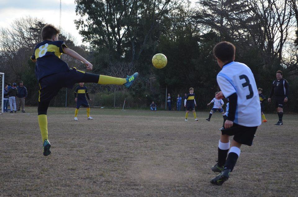 Este sábado se llevó a cabo una nueva fecha del certamen de divisiones juveniles que organiza la Alianza Deportiva y nuclea a las instituciones deportivas de las ciudades de Colón y Rojas.