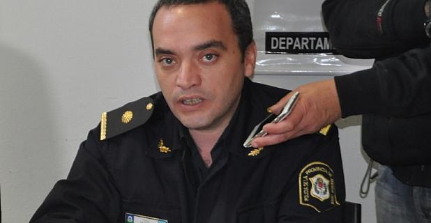Se trata del comisario Flavio Dafouz, quien estuviera a cargo hasta su disolución de la Policía Local. Ocupa el lugar de su colega Carlos Fabián Bruno, quien tuvo un paso fugaz por el cargo.
