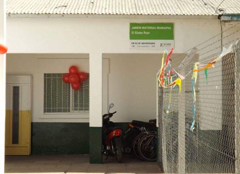 El establecimiento Globo Rojo es uno de los dos jardines maternales municipales en todo el distrito.