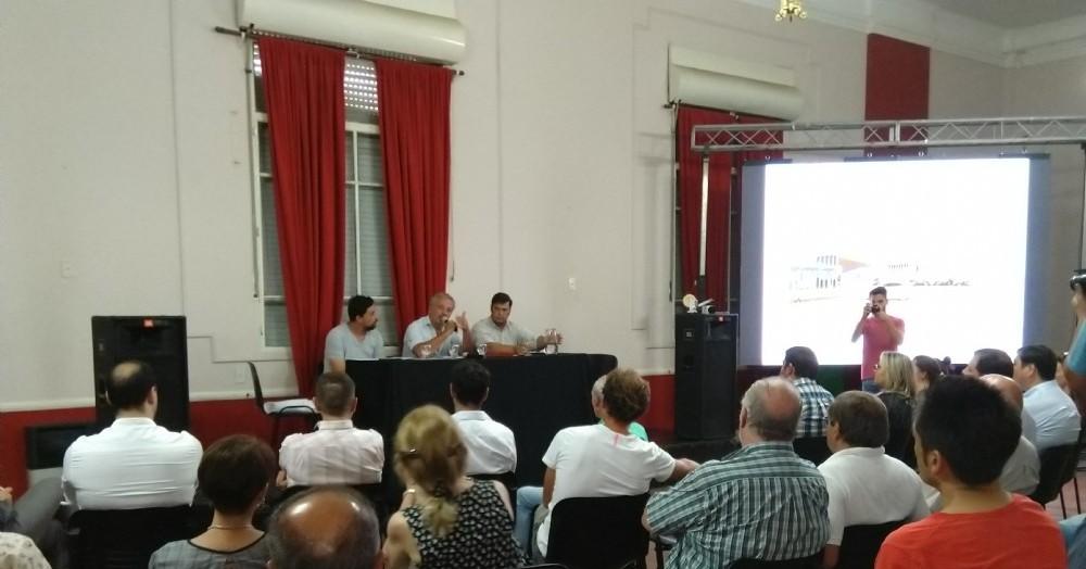 Presentación en conferencia de prensa.