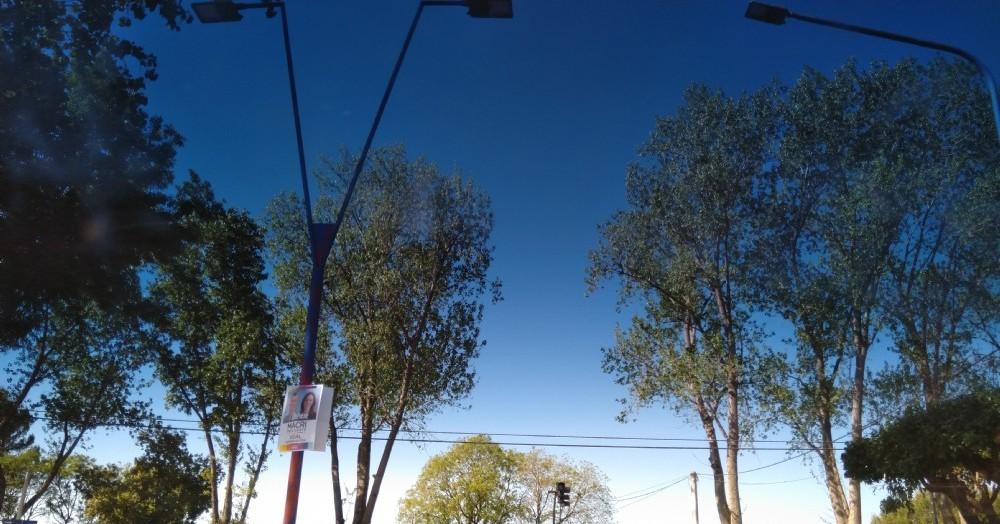 Cruce de Avenida 3 de Febrero con Avenida San Martín y Bicentenario.