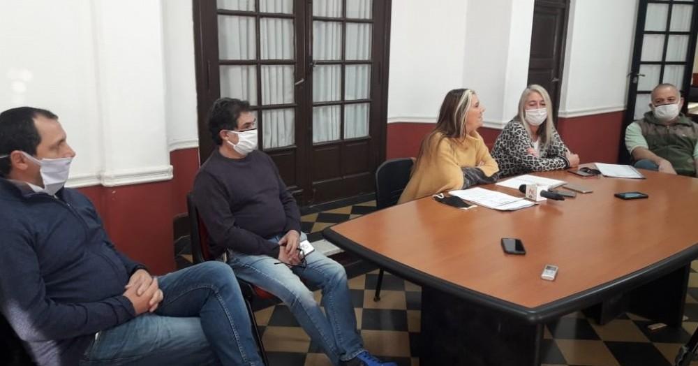 Conferencia en el Centro Cultural Sabato.