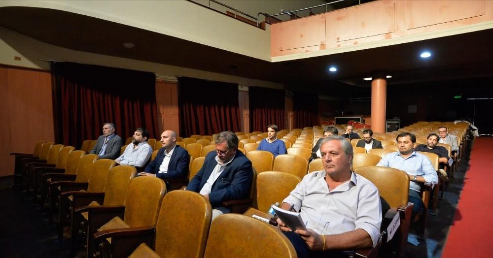 Encuentro en el Teatro Metro de La Plata.