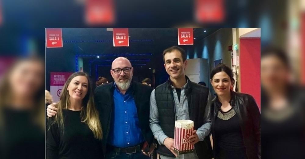"""""""Condorito"""" Dimarco junto a Pablo Petrecca, y ambas esposas."""