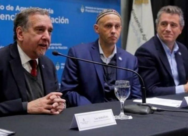 Lino Barañao (Ciencia y Tecnología); Sergio Bergman (Ambiente) y Luis Etchevehere (Agroindustria), secretarios cómplices.