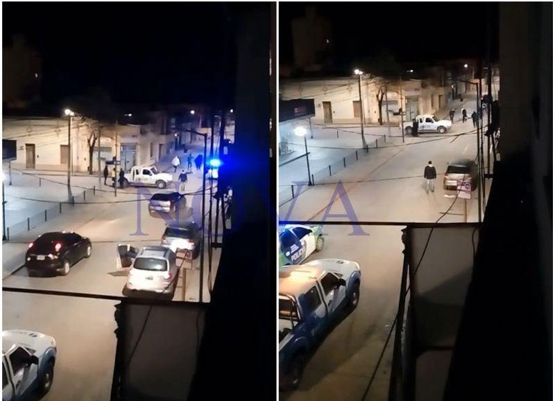 La pelea quedó registrada por un vecino que grabó el instante en que intervino la policía.