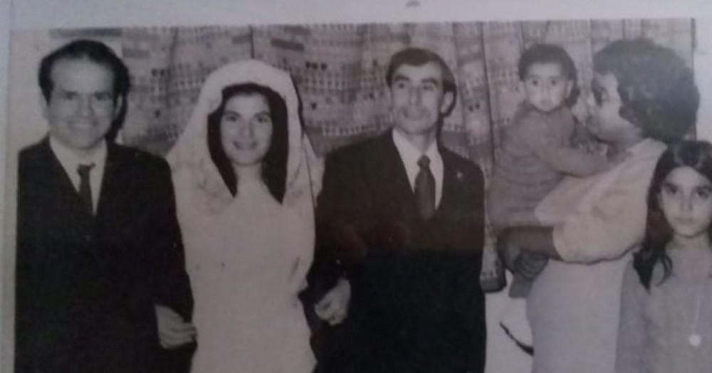 En la foto: mi viejito Glido Casalongue, la tía Eva y el tío Carlos, y mi mami Alicia conmigo en brazos.