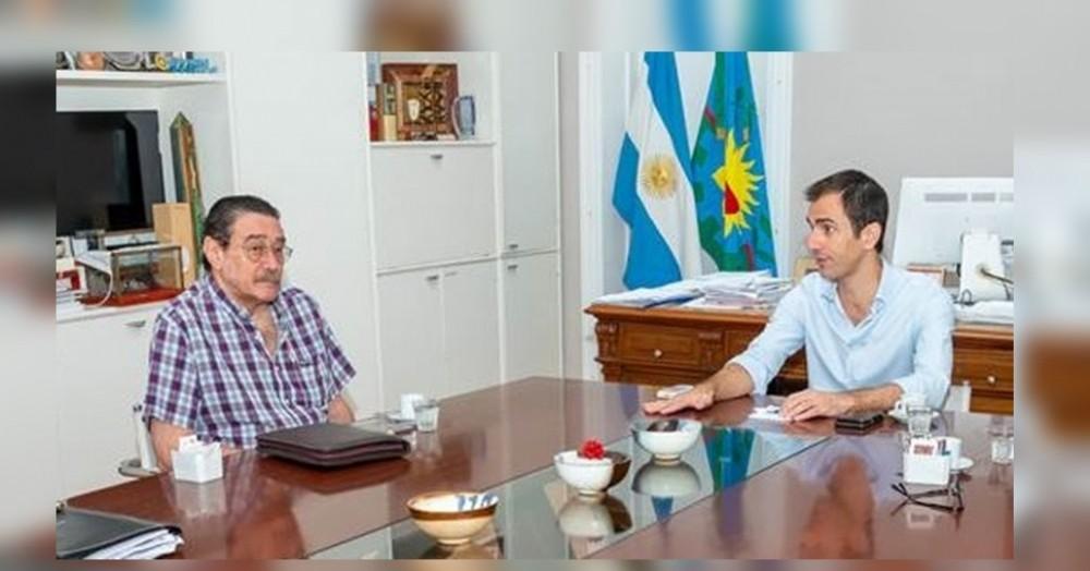 Pablo Petrecca junto al responsable de Bromatología y Zoonosis de Junín, Julio Ferrero.