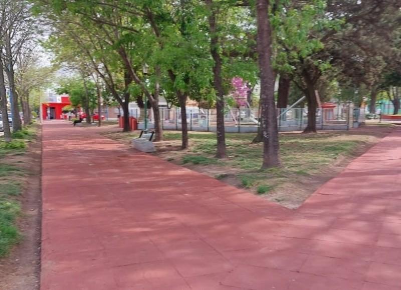 Cambio de baldosas en Plaza España.
