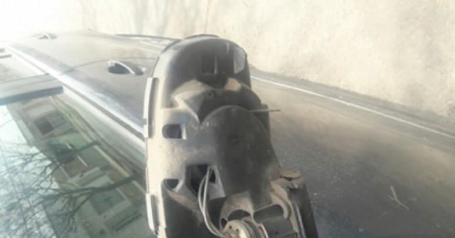 Provocan daños a un auto estacionado en calle Castelli y Frías