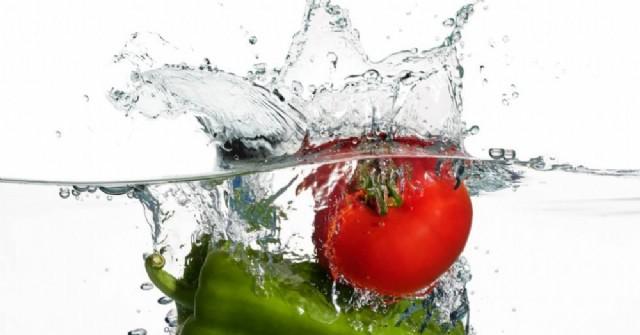 ¿Cómo sanitizar las frutas y verduras?