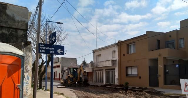 Reconstrucción de cordón cuneta en calle 9 de Julio y Villegas