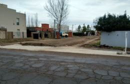 """Avanza la construcción de cunetas en el barrio residencial """"Dr. René Pérez"""""""