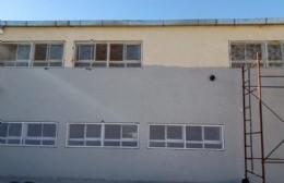 Tareas de mantenimiento en la Escuela Secundaria N° 6