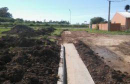Cordón cuneta en Barrio Mudynda: Construirán un último tramo hasta Diego Trillo