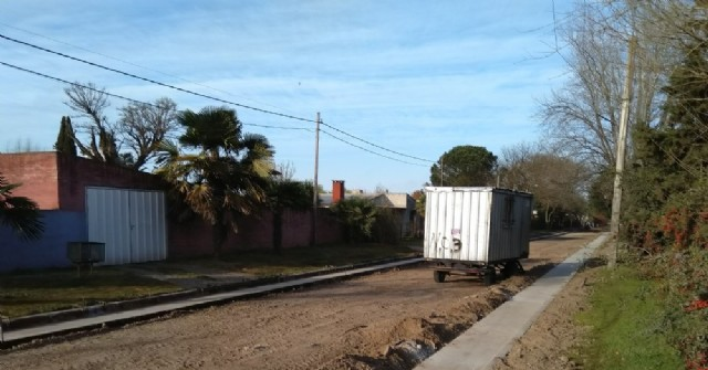Avances en la obra de cordón cuneta en Barrio Santa Teresa