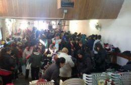 El Centro Cristiano Evangélico del Pastor Jesús Yemes entregó ropa de abrigo