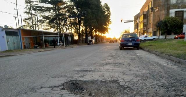 Pozos peligrosos en Avenida San Martín
