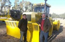 Osvaldito Maggiolo junto al intendente Claudio Rossi.