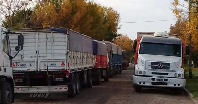Se renuevan las quejas en Barrio Unión por la falta de control del movimiento de camiones